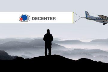 Aircraft with banner DECENTER logo